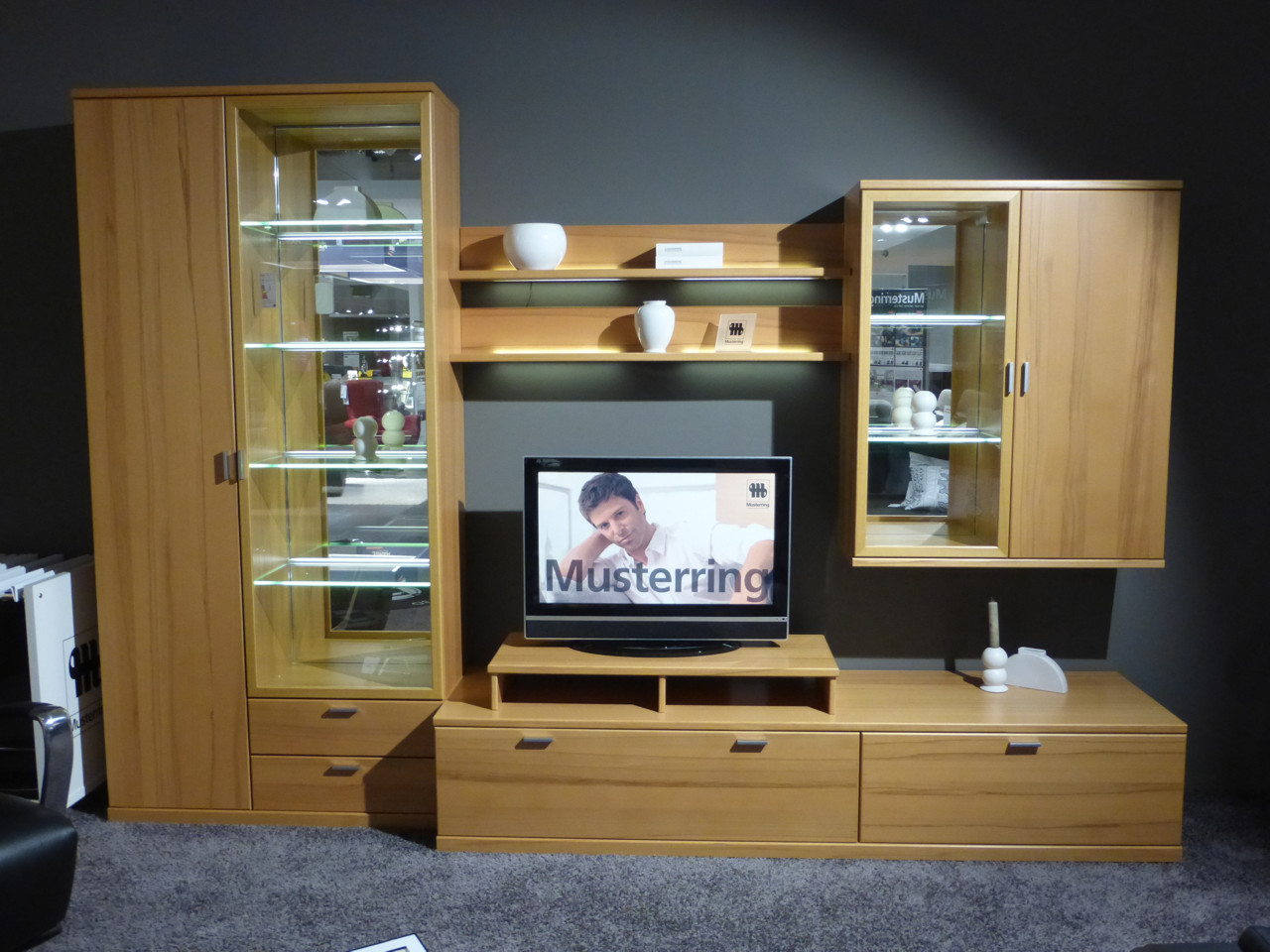 musterring wohnwand kira system h mel. Black Bedroom Furniture Sets. Home Design Ideas